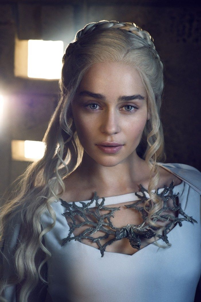 emilia clarke as daenerys targaryen in game of thrones game of thrones pinterest filme. Black Bedroom Furniture Sets. Home Design Ideas