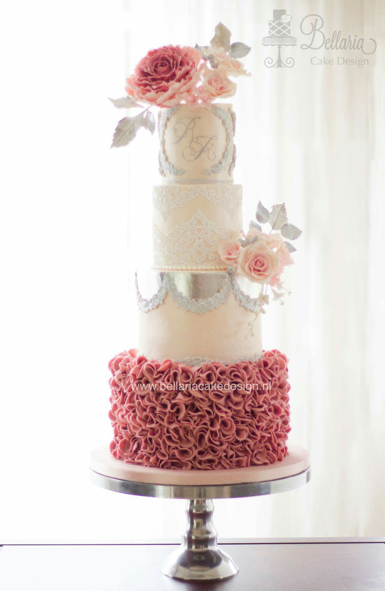 Pink and silver monogram wedding cake | Taarten van Bellaria Cakes ...