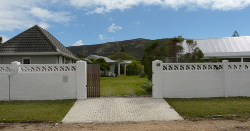 Hermanus Cottage: Entrance. FIREFLYvillas, Hermanus, 7200 @FIREFLYvillas ,bookings@fireflyv..., #HermanusCottages #FIREFLYvillas #Hermanus