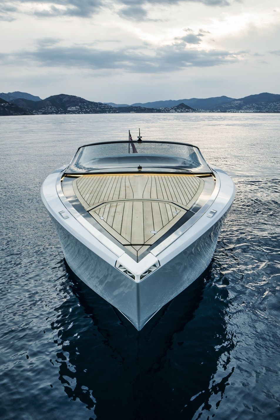 The Aston Martin Am37 Powerboat Power Boats Cool Boats Boats