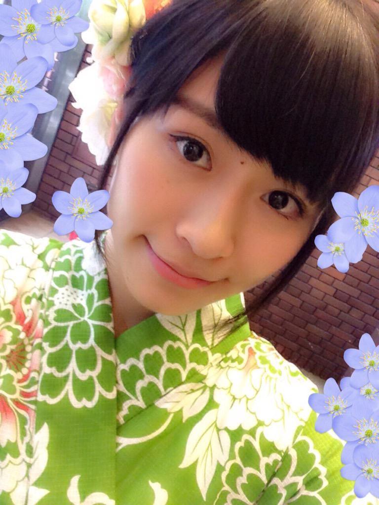 "Kokoro Naiki  内木志 on Twitter: ""お祭り行きたいな〜 緑の浴衣髪飾り可愛い http://t.co/I8VmvrAWkF"""