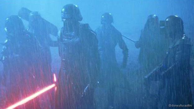Quatro teorias a partir do trailer do novo 'Star Wars' - BBC Brasil