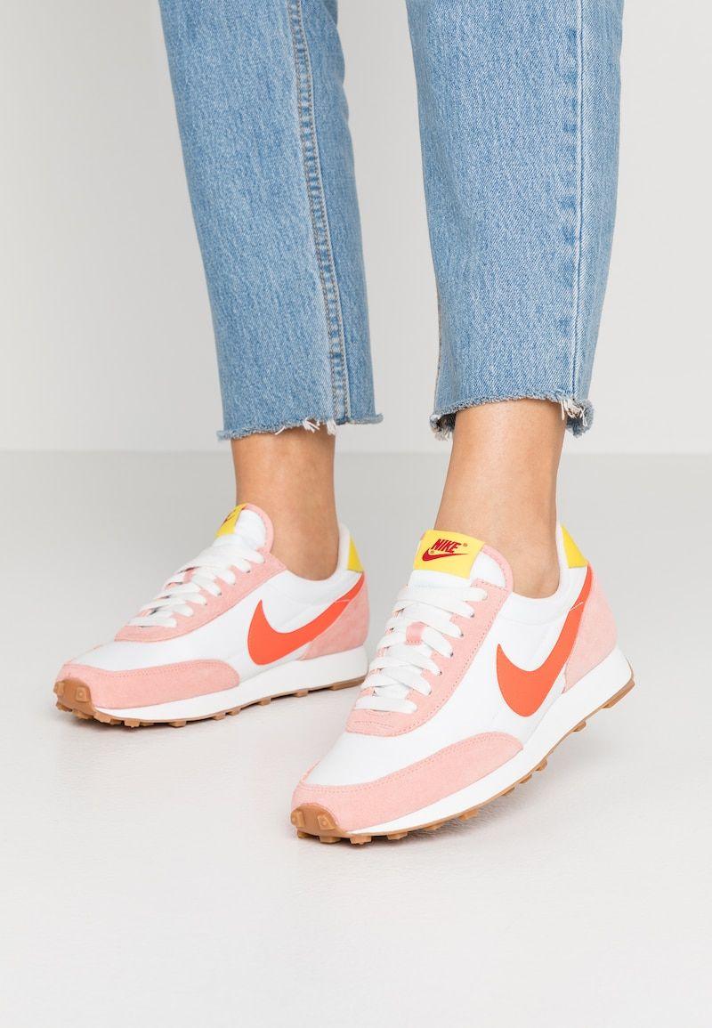 Pin van Angela Kroes op yeezy in 2020 | Nike sportkleding ...