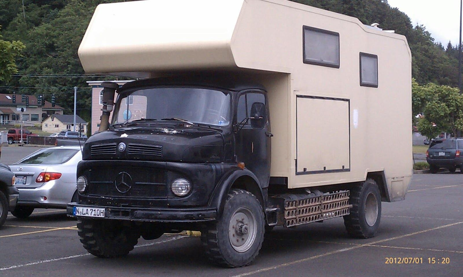 vintage mercedes truck camper heavy duty off road camper. Black Bedroom Furniture Sets. Home Design Ideas