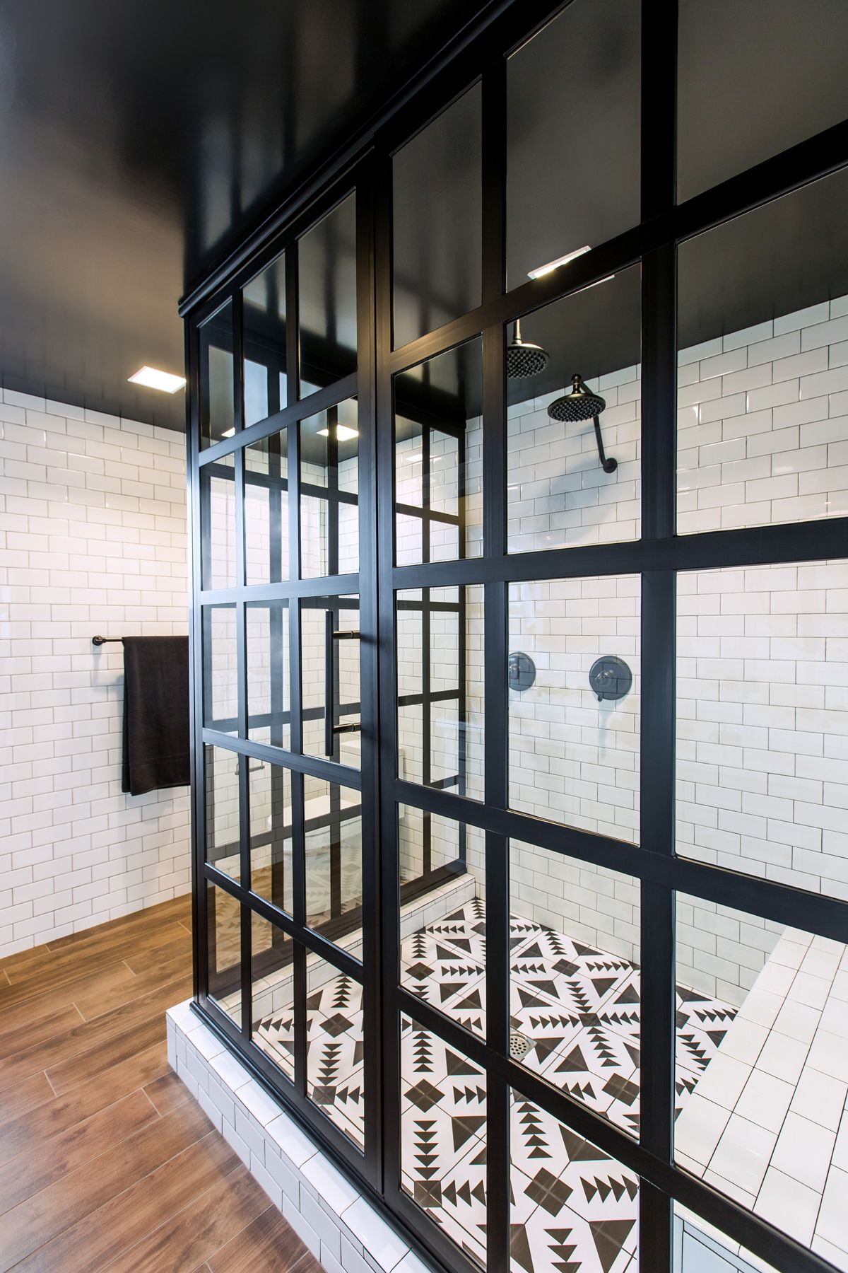 Take A Look At The Best Crittall Shower Designs That Will Give Your Bathroom An Instant Impact Modern Shower Doors Coastal Shower Doors Shower Doors