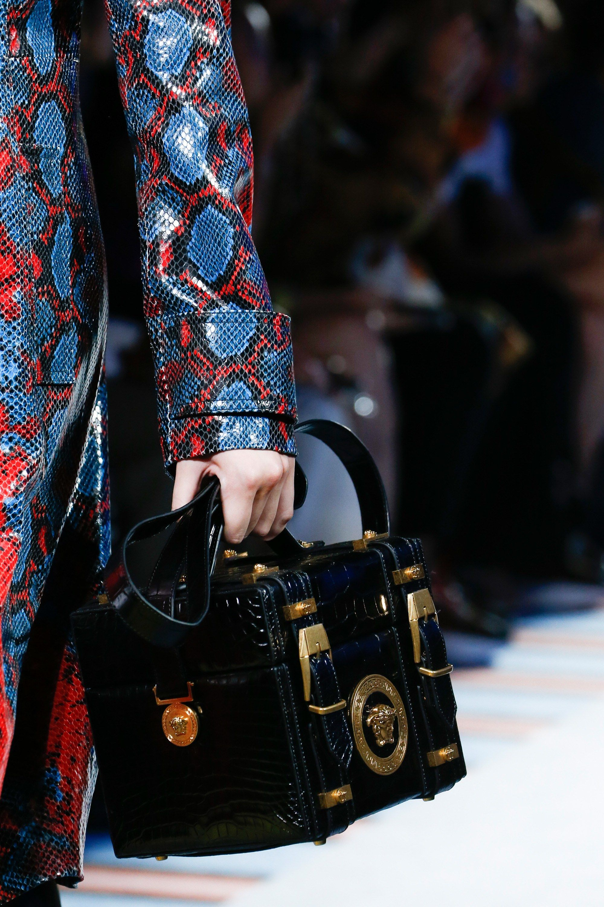 e4311d53c6a Versace Spring 2019 Ready-to-Wear Fashion Show in 2019 | Handbags ...
