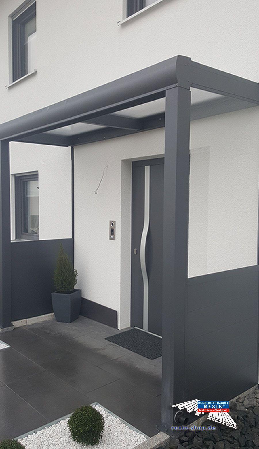 Ein Alu Hausturvordach Der Marke Rexovita Vsg 3m X 1m In Anthrazit Mit Seitenwand Board Plexi Dieses Alu Haustur Vordach Haus Hausturvordach Fachwerkhauser