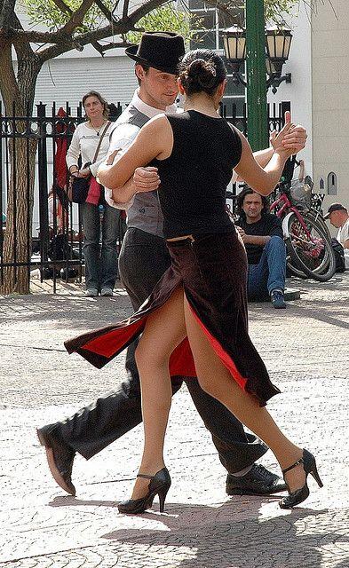 Buenos Aires tango in Plaza Dorrego San Telmo