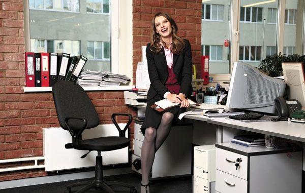 фото девушек на работе в офисах