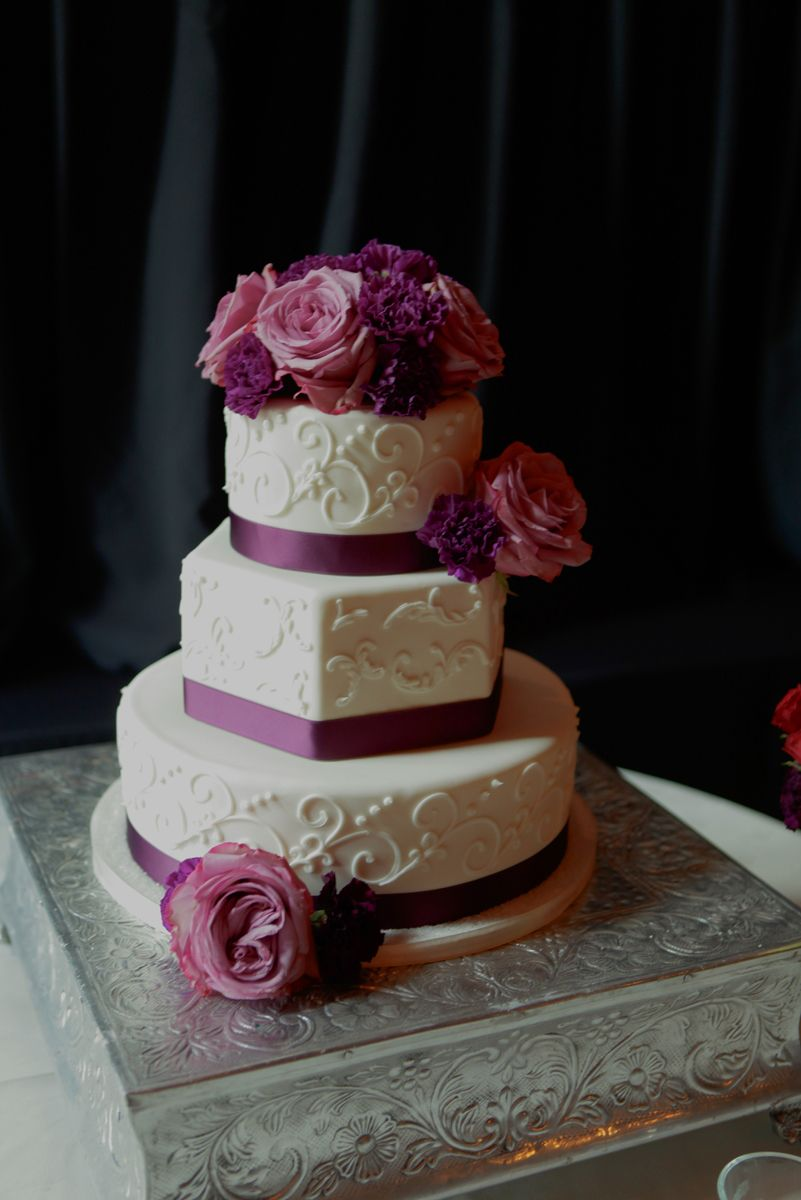 #Purple #roses #white #wedding #cake #satin #ribbon #villasiena