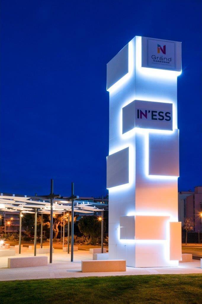 Tempat Jasa Pembuatan Dan Pasang Totem Pylon Sign Desain Signage Arsitektur Desain