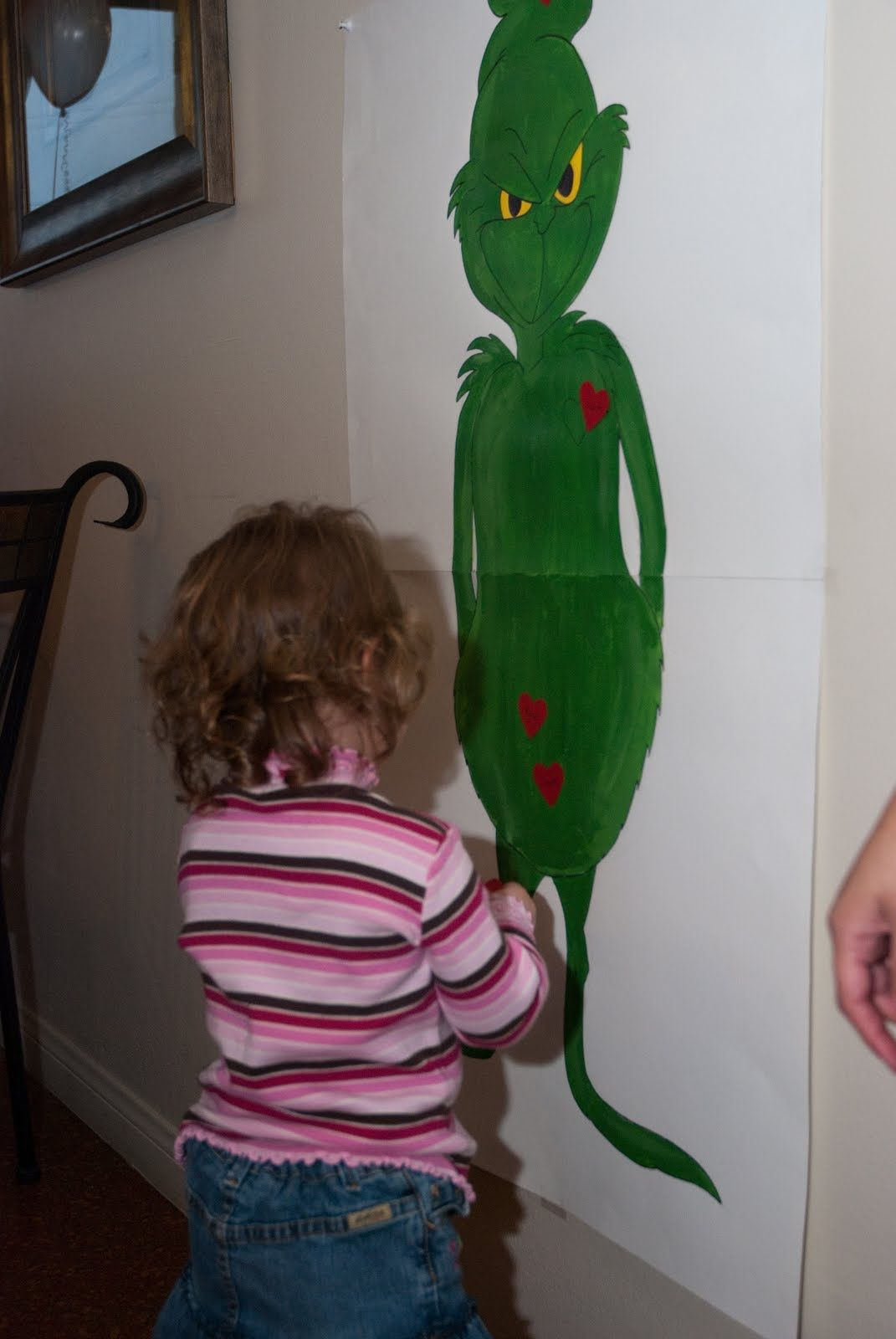 cute! pin the heart on the grinch (christmas party) Pinned