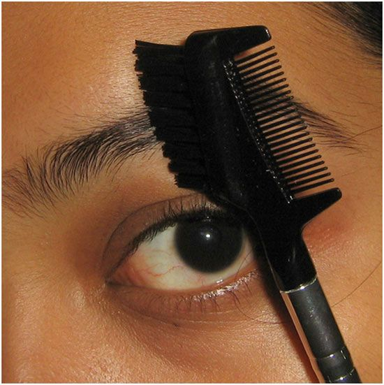 How To Thread Eyebrows - A Step By Step Tutorial ...