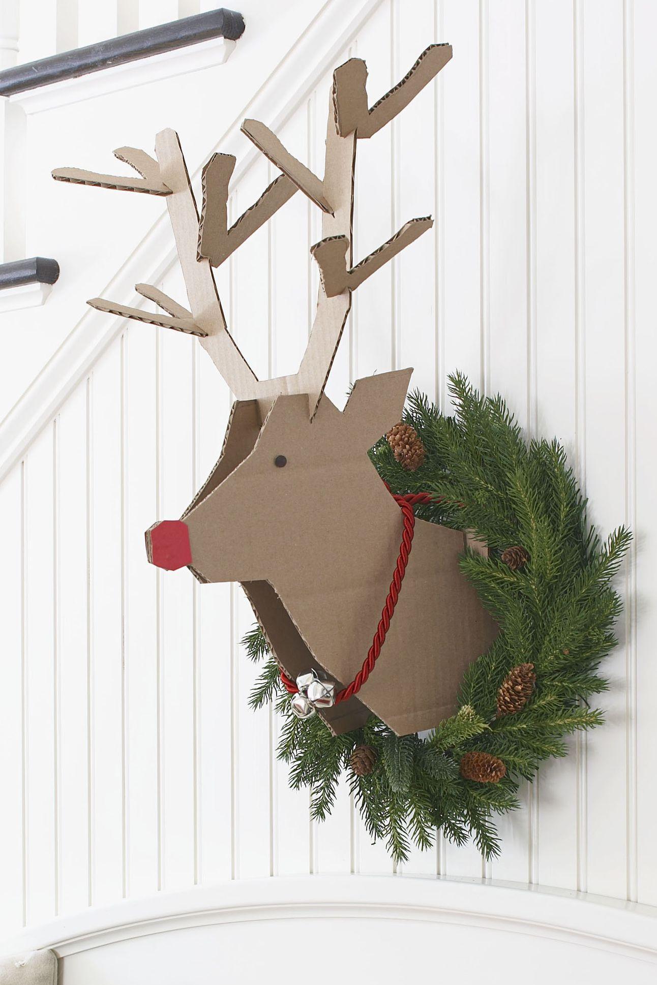 10 Scandinavian Inspired Christmas Decorating Ideas Scandinavian Christmas Decorations Office Christmas Scandinavian Christmas