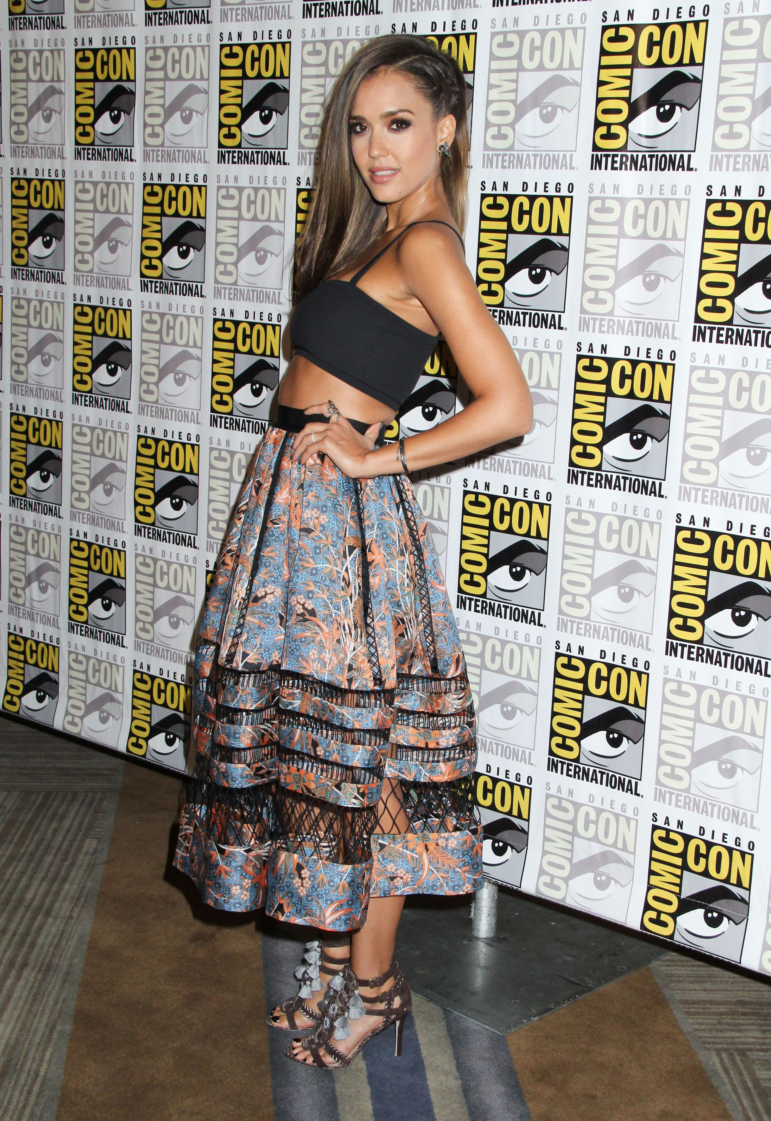 Jessica Alba Style Red carpet dresses, Fashion, Dresses