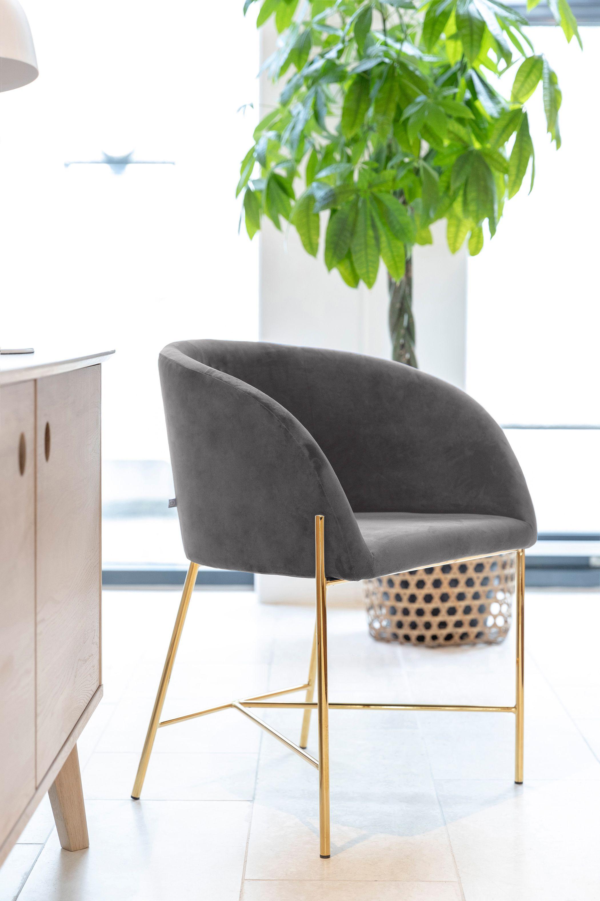 Armlehnstuhl im stilvollem Grau mit goldenem Stahlgestell
