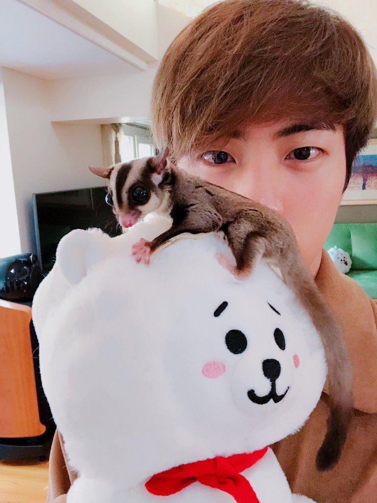 Too cute! #kimseokjin