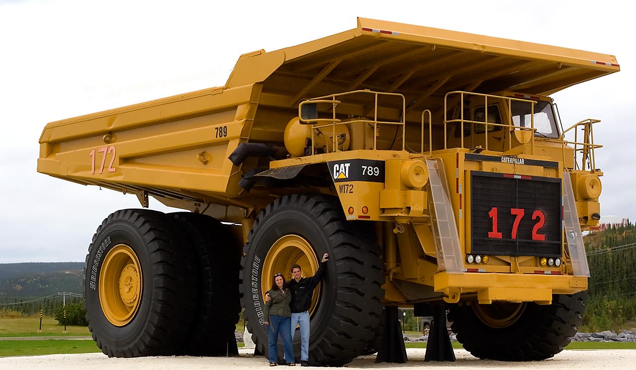 Looks like the 195 ton Caterpillar 789