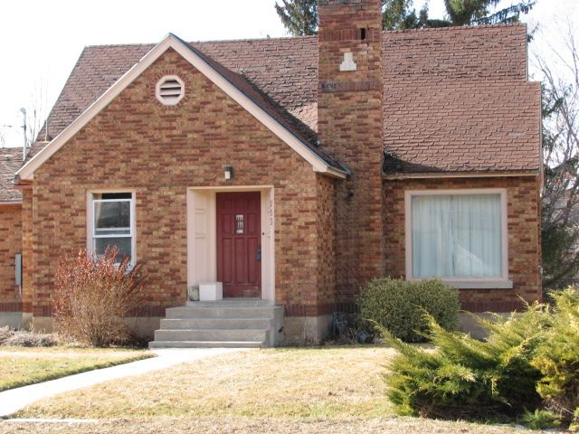 This Home Is Providence Near Logan Utah In Beautiful Cache Valley Is For Sale It Is Listed For 129 900 It Does N Fancy Houses Cottage Style Exterior Brick