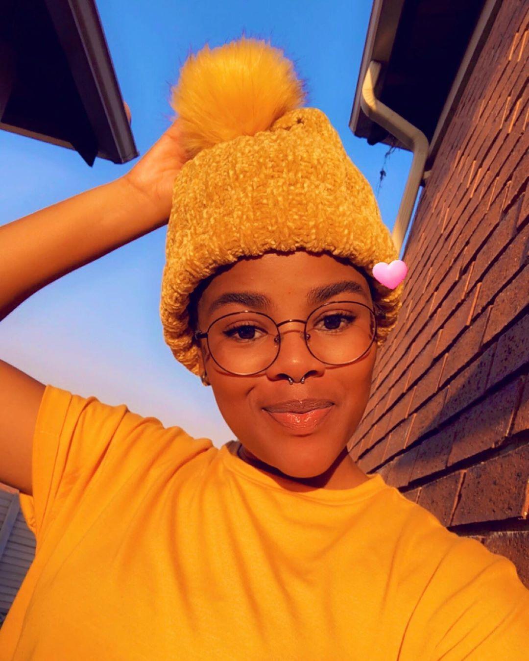 """Titi's Instagram photo: """"💛 #yellow #beanie #yellowbeanie #yellowtshirt #mustard #glasses #glassesgirl #nosering #septumpiercing"""""""