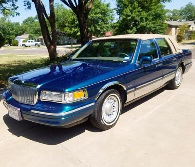 Lincolnmotorcar Showcase Badwf On Instagram 1997 Lincoln Town