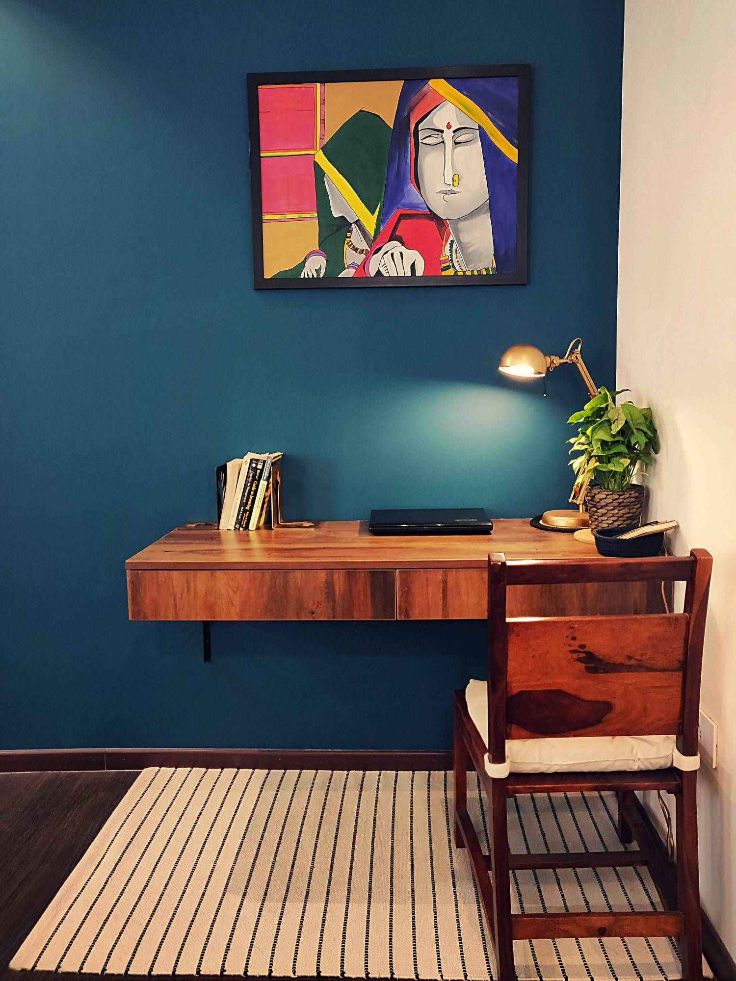 Stylish Study Room: Home Style Tour With Rajni In Hyderabad: Handpainted Frame