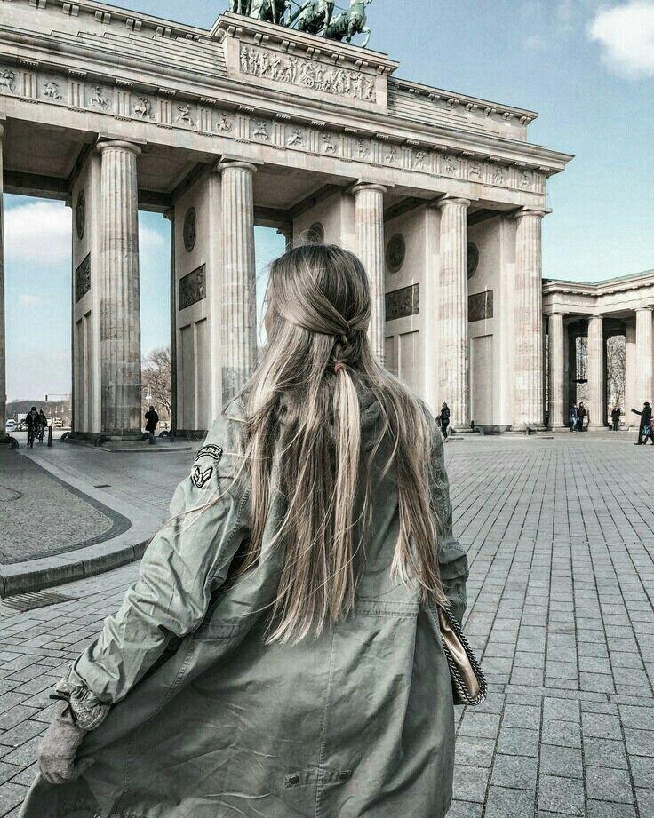 Berlin Germany Trendy Travel Photos Backwards Photography Travel Photography Girls Who Travel Berlin Viaje Fotografias De Viajes Fotos De Europa