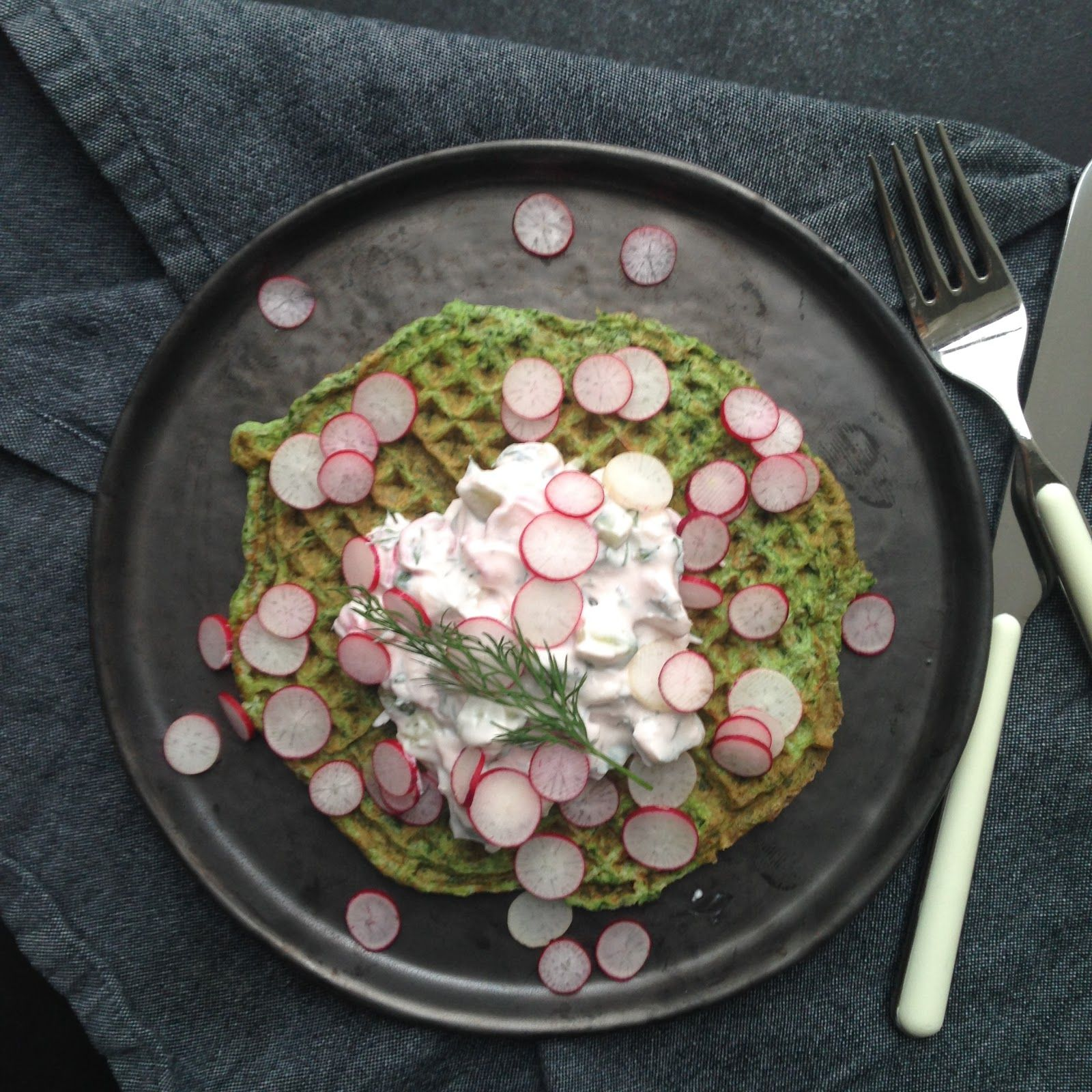 Spinatvafler, rygeost fra Arla unika & et restaurant tip
