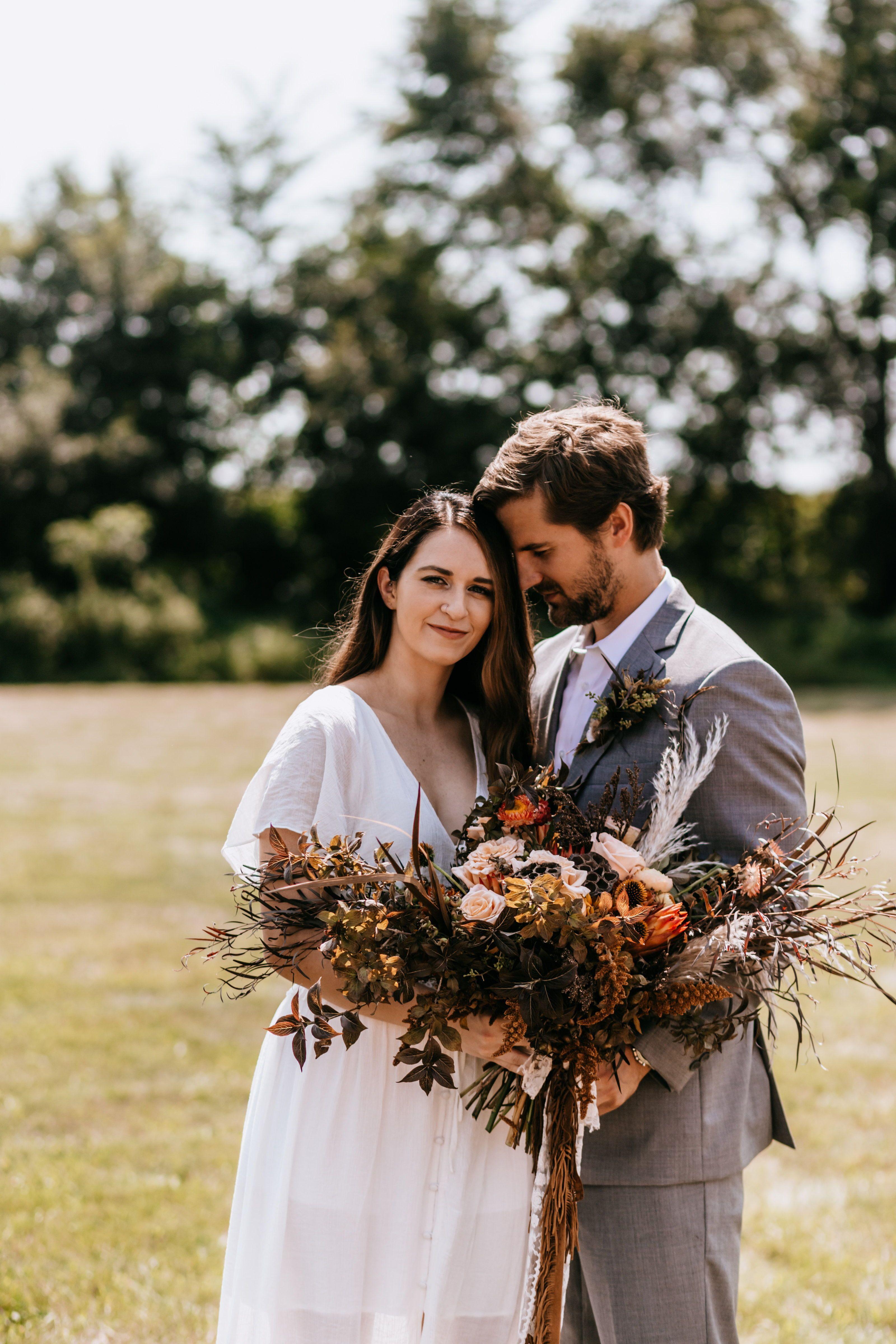 Boho Wedding Photo Inspiraion In 2020 Boho Wedding Photography Boho Wedding Decorations Vintage Wedding Photography
