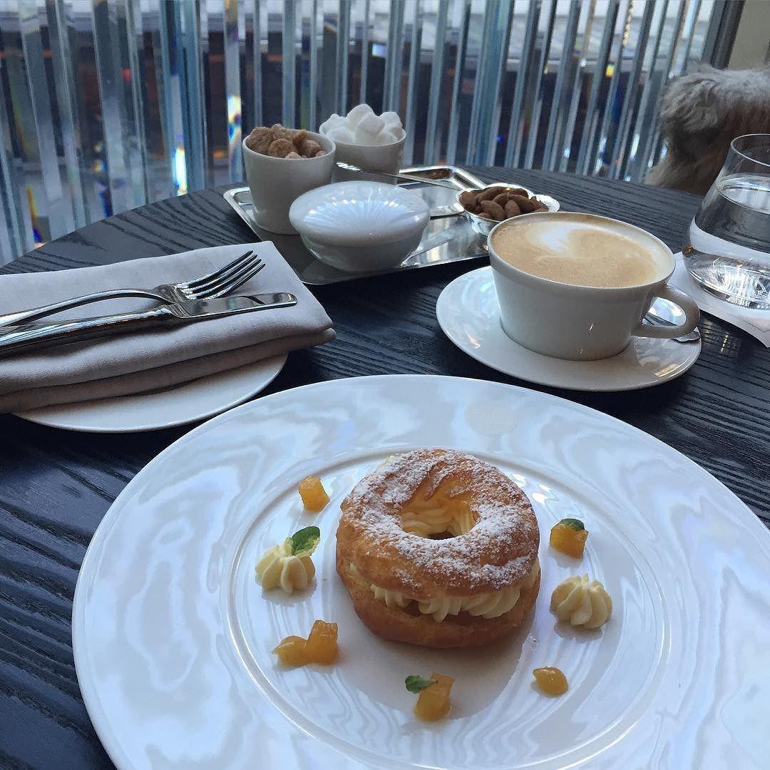 __ 모마 가기 전 #tea time #dessert #baccarat #hotel #blingbling #manhattan #nyc #newyork  #travel #trip #daily #goodafternoon #주말 #디저트 #굿에프터눈 #냠냠 #먹스타그램 #맛스타그램 #맨하탄 #뉴욕 #여행 #여행스타그램 by yangna_smile