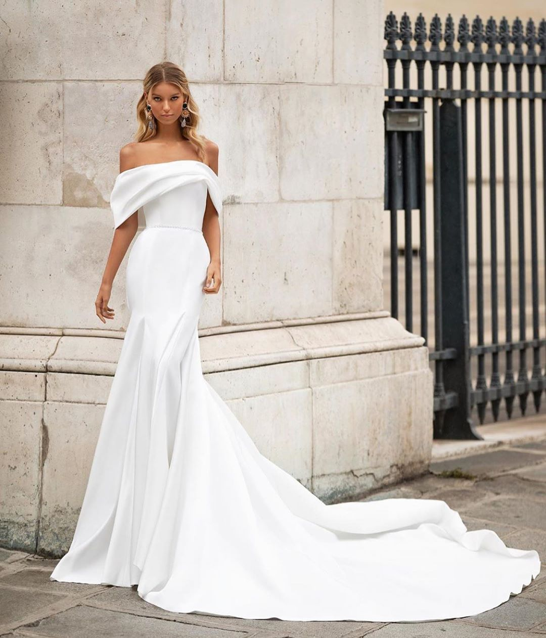 25 unique wedding dresses will inspire you in 2020