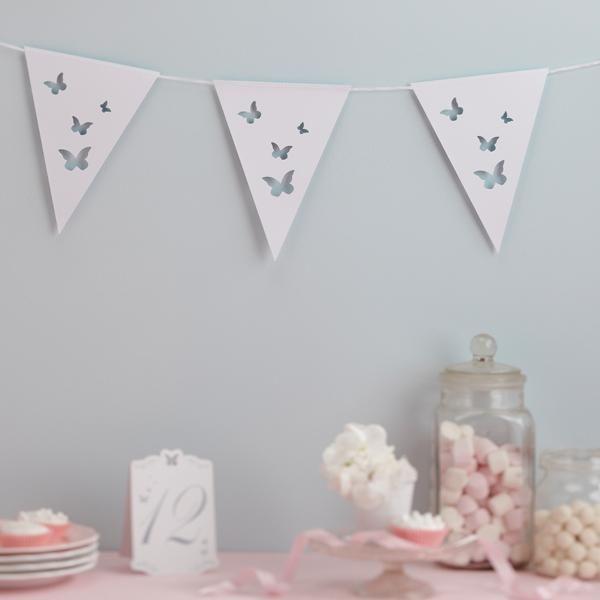 Girlande wimpelkette schmetterlinge wei hochzeit for Schmetterling deko kinderzimmer