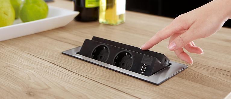 klappbare steckdose in der arbeitsplatte k che in 2019 pinterest. Black Bedroom Furniture Sets. Home Design Ideas