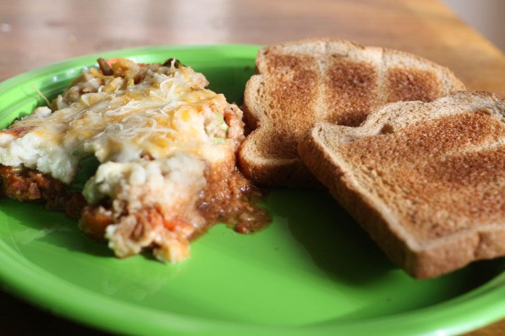 Italian Shepherds Pie with toast (only 361 calories!)Great food blog