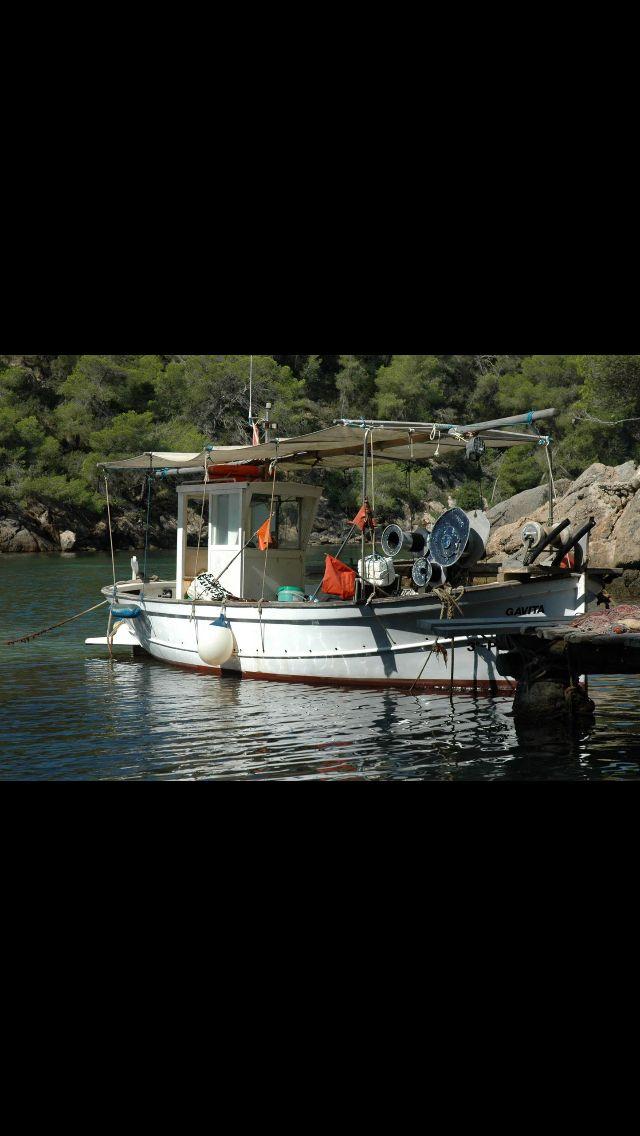 Unas de las muchas calas de Ibiza.