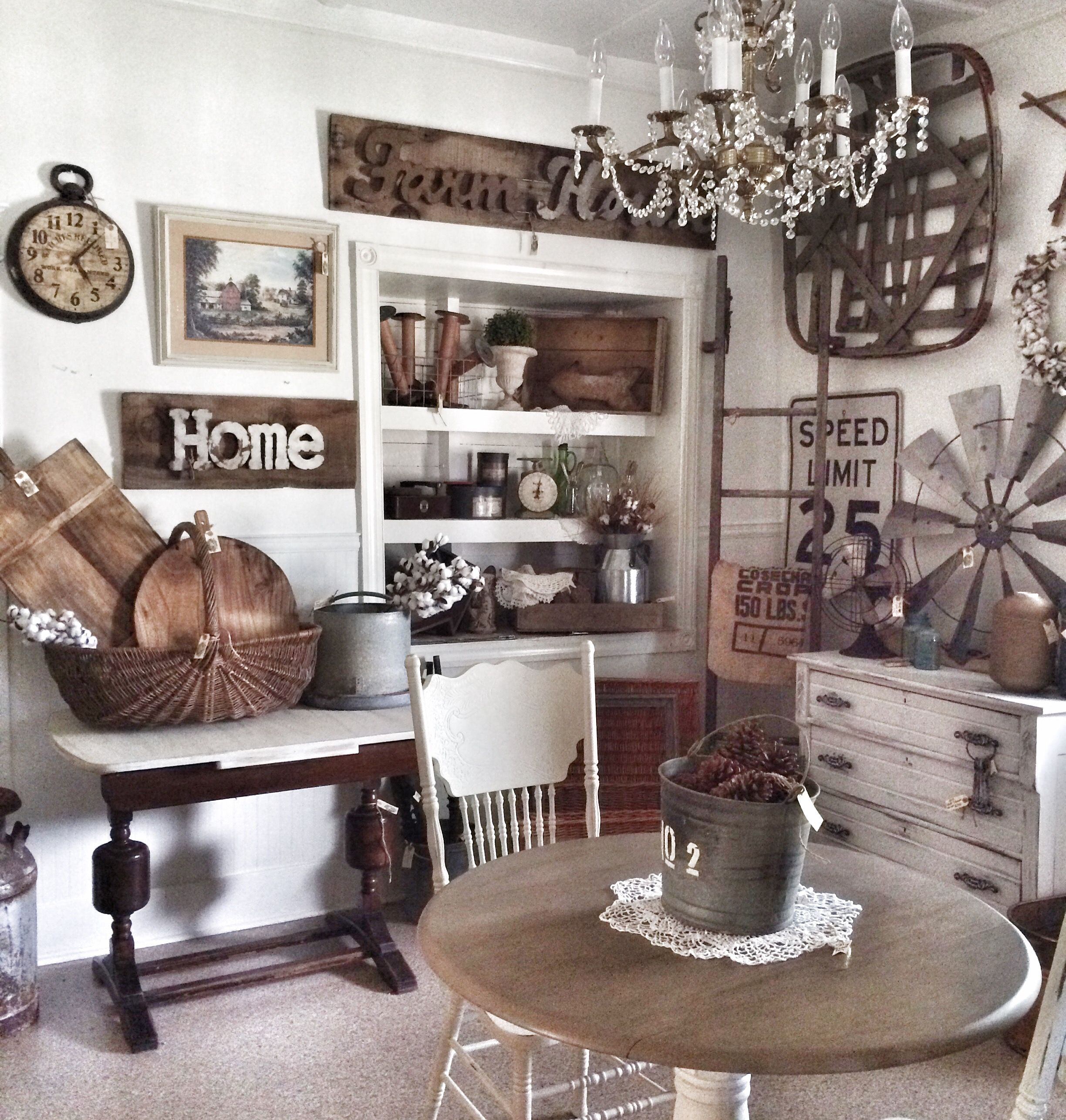 Farmhouse Booth Ideas Or Barn Sale Ideas Tobacco Basket Decor Antique Booth Ideas Home Decor