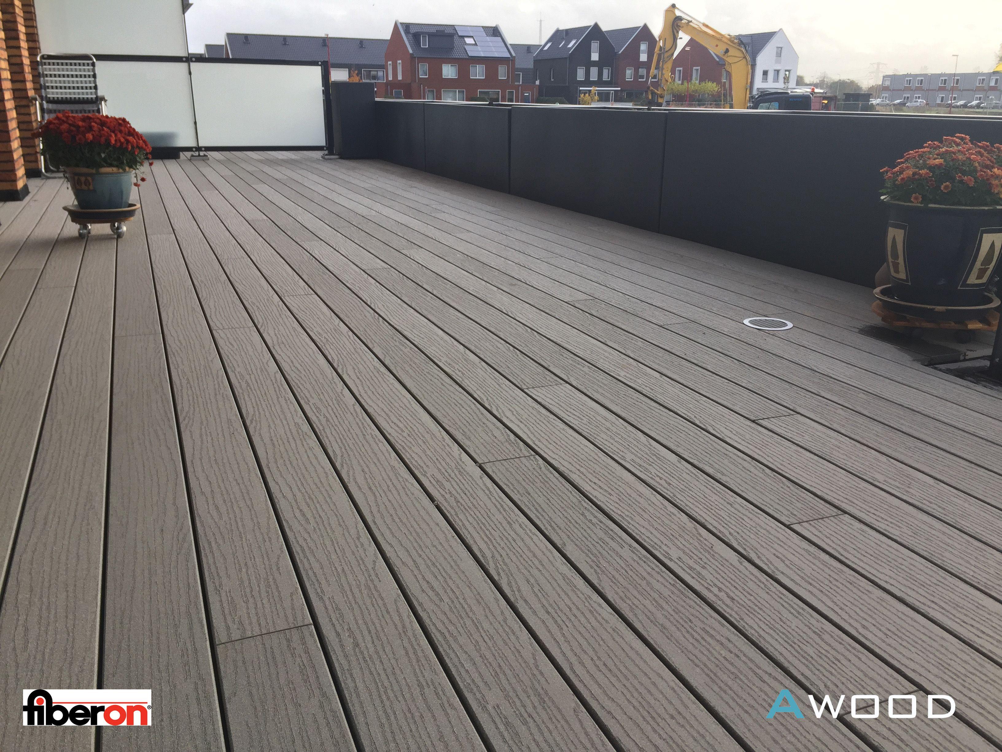 Fiberon op de balkons en terrassen van het project CPO Wonen aan de Kreek Oud Beijerland.   De particulieren wouden graag kiezen uit 4 verschillende Fiberon Decking profielen. Awood BV heeft knowhow, materiaal en montage gedaan.