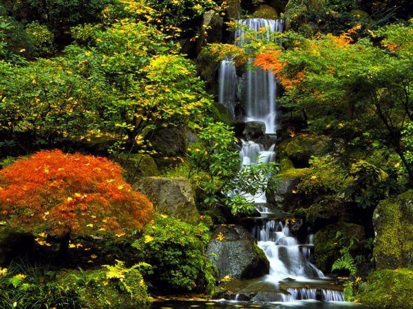 Magischer Wasserfall im japanischen Garten Tattoo-Motive - garten steinmauer wasserfall