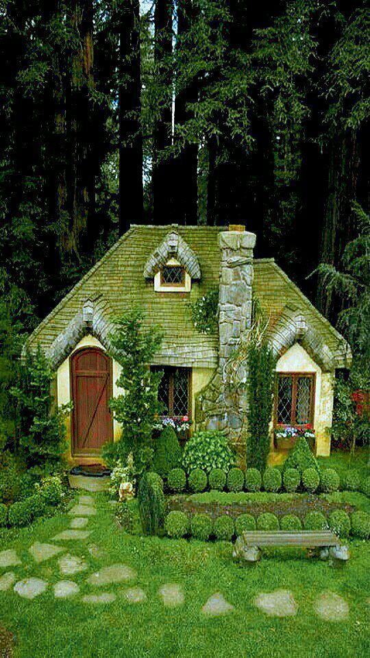 pin von junie martinez laine auf cottages to love pinterest traumh user hexenhaus und. Black Bedroom Furniture Sets. Home Design Ideas
