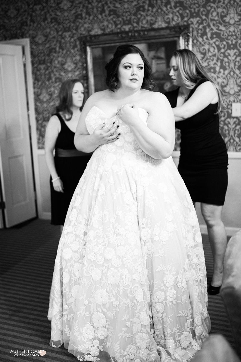 Our Intimate And Elegant Kentucky Wedding Plus Size Bride Plus Size Brides Wedding Dresses [ 1200 x 800 Pixel ]