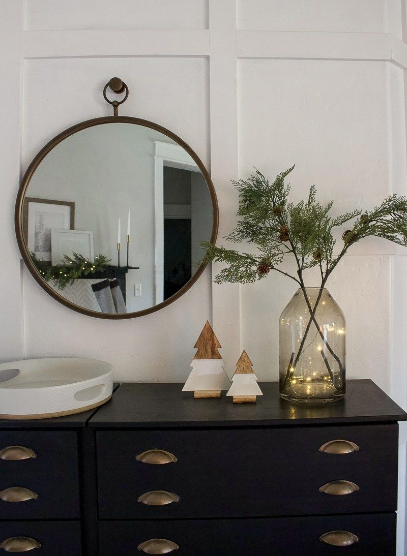 Photo of Christmas Entry & Living Room – 2018 – Designed Simple