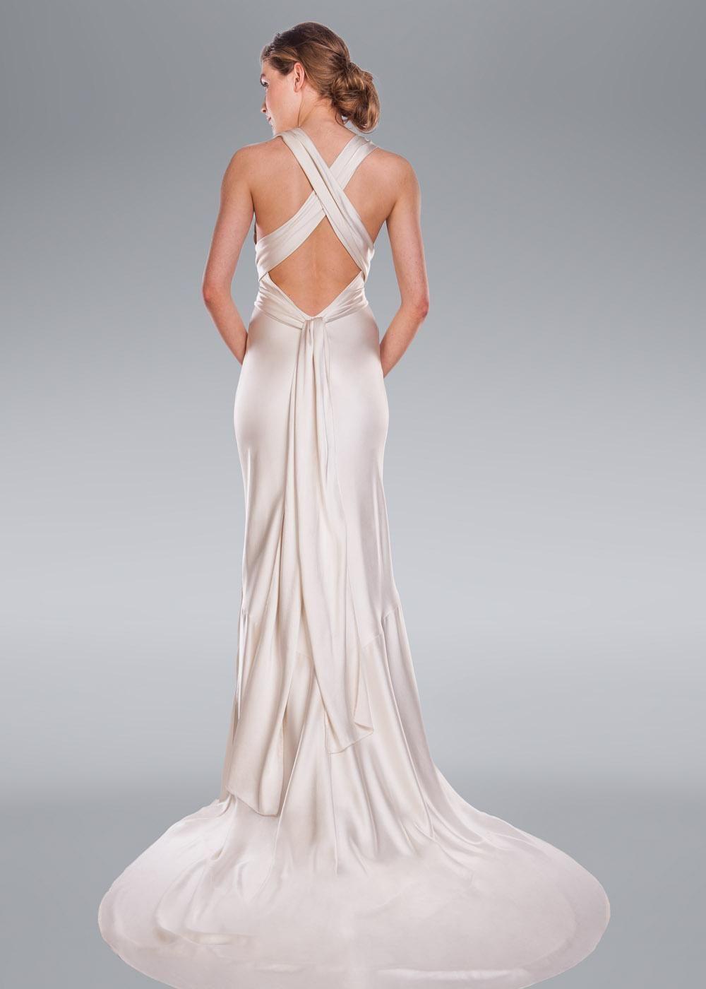 Aisha Wedding Dress, Amanda Wakeley Designer Collection   spin ...
