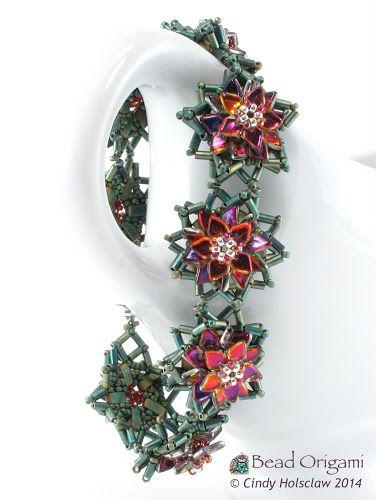 New Pattern: Poinsettia Bracelet