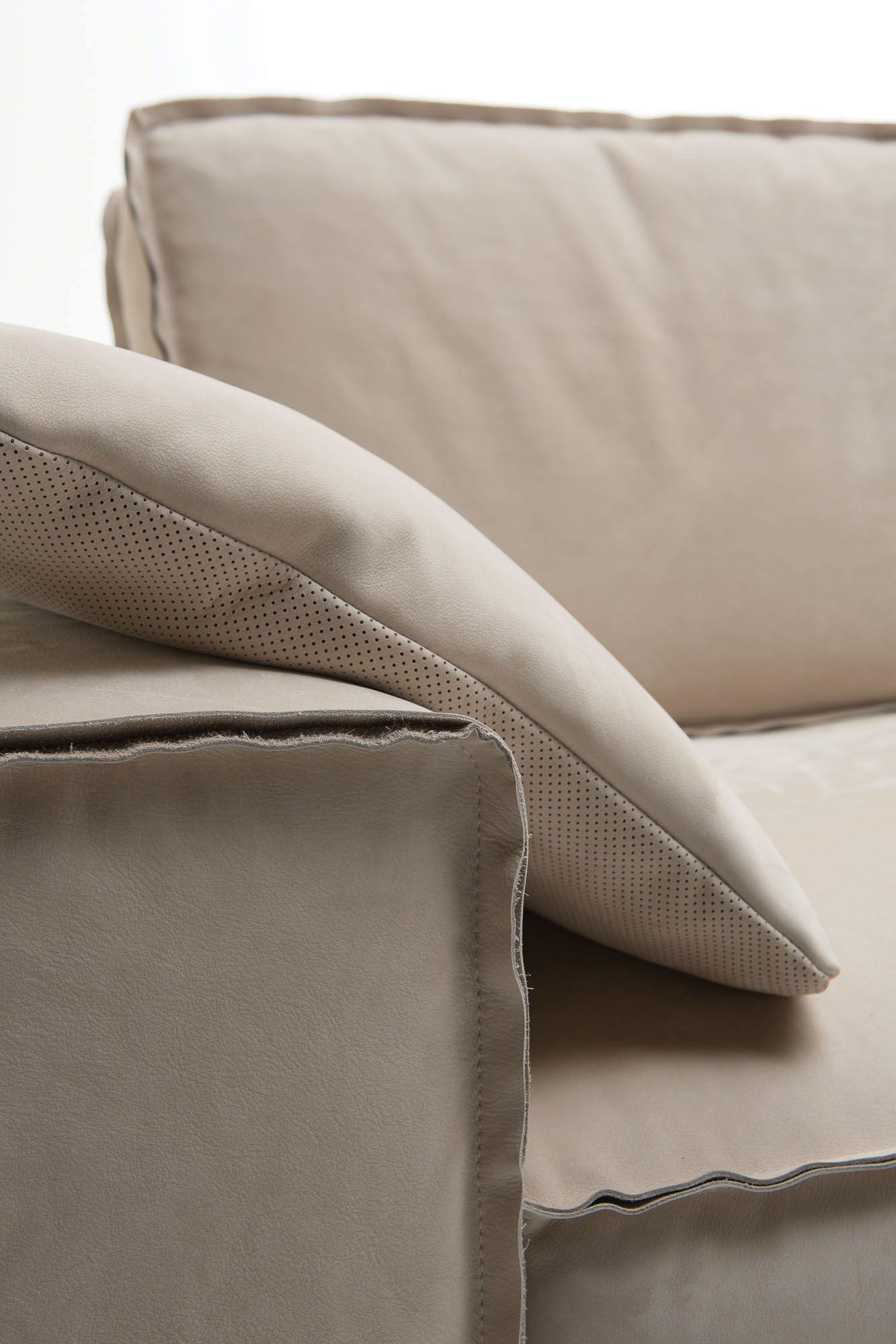 Divani personalizzati tino mariani dettaglio cucitura al - Divani moderni in pelle design ...