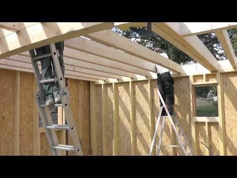 Les étapes de construction d\u0027une maison en bois - YouTube - Montage D Un Garage En Bois