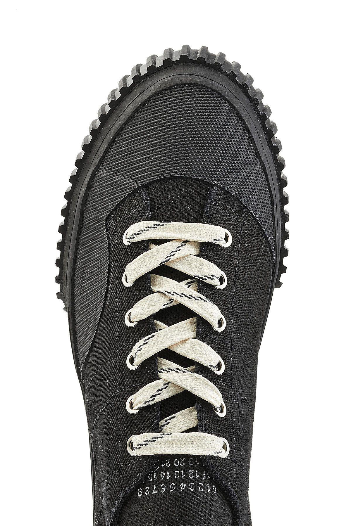 Pin Footwear by KaVan on Zapatos Pinterest Footwear Pin Moda and Detail 35178d