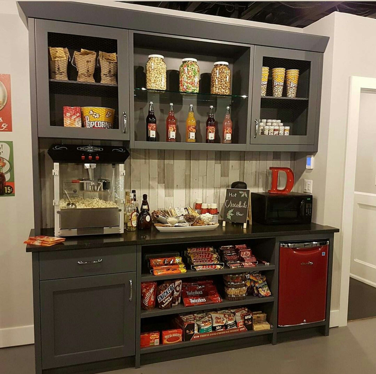 50 Tiny Movie Room Decor Ideas: Concession Stand For Theater Room
