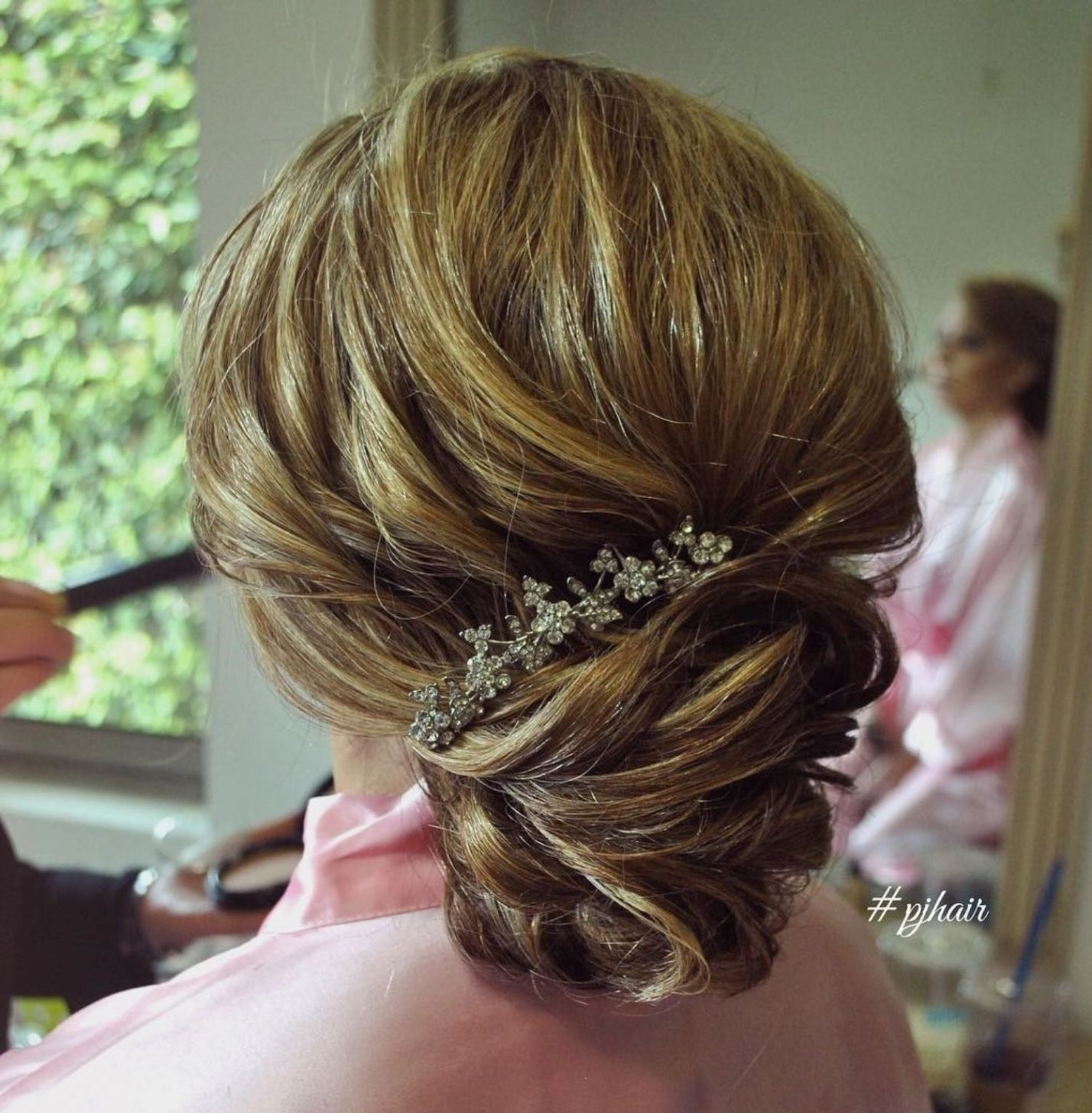 50 Ravishing Mother Of The Bride Hairstyles Mother Of The Bride Hair Hair Styles Hairdo Wedding