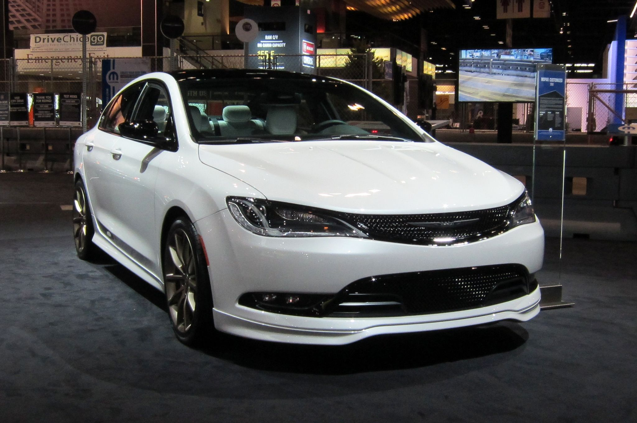 Chrysler 200 S W V6 9 Speed Automatic And Leather 29k After 2k