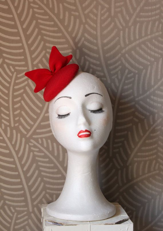 Rote Kopfbedeckung Mit Bogen Kleine Runde Kopfbedeckung Mit Schleier Rote Krawatte Rote Rote Kopfbedeckung Mini Kopfbedeckung Rotes Haar Accessoire Bibi Rouge Chapeau Rouge Chapeau Bibi